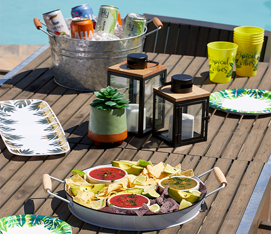 outdoor party, snacks and drinks